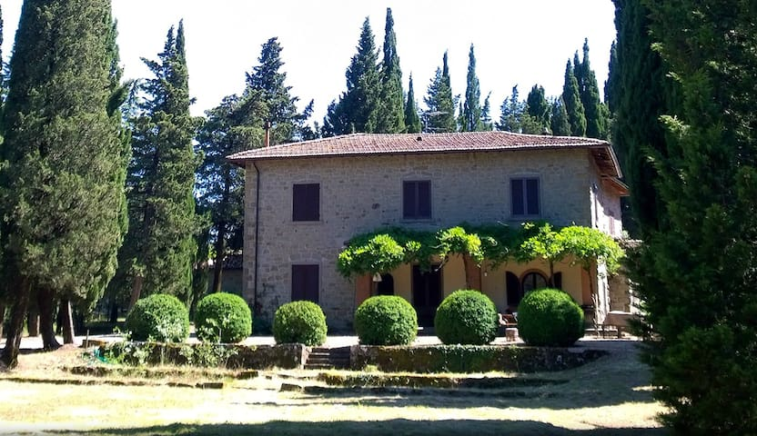 Villa - La Scheggia Holiday - Anghiari (AR) - วิลล่า