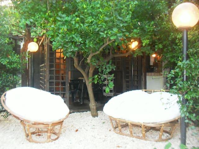 Chalet a Linguaglossa, tra Etna e mare, giardino - Piedimonte etneo - Kulübe