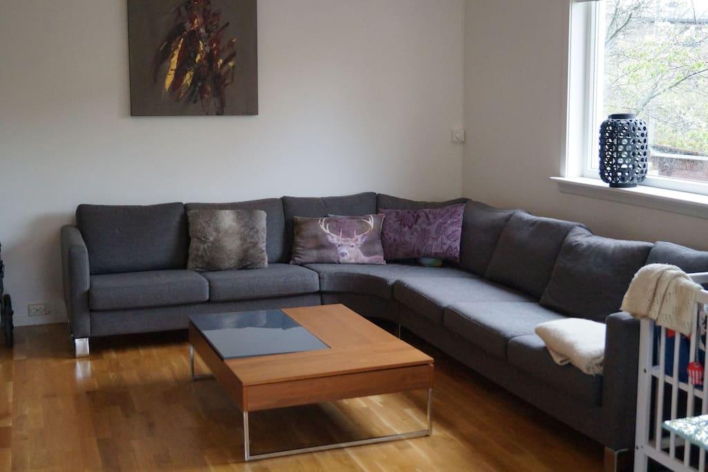 Spacious living room - main sitting area