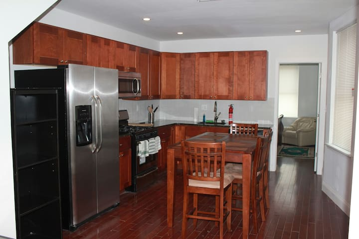 Spacious 2 Bedroom Luxury Apartment - Philadelphia - Departamento