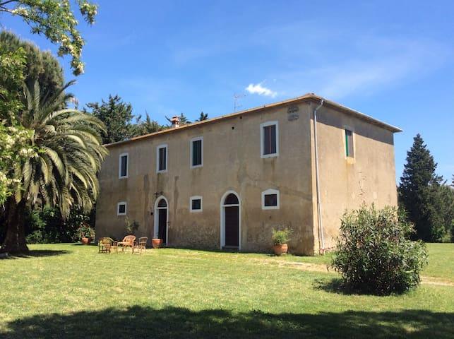 Beautifull  Seaside Farm House - San Vincenzo - บ้าน