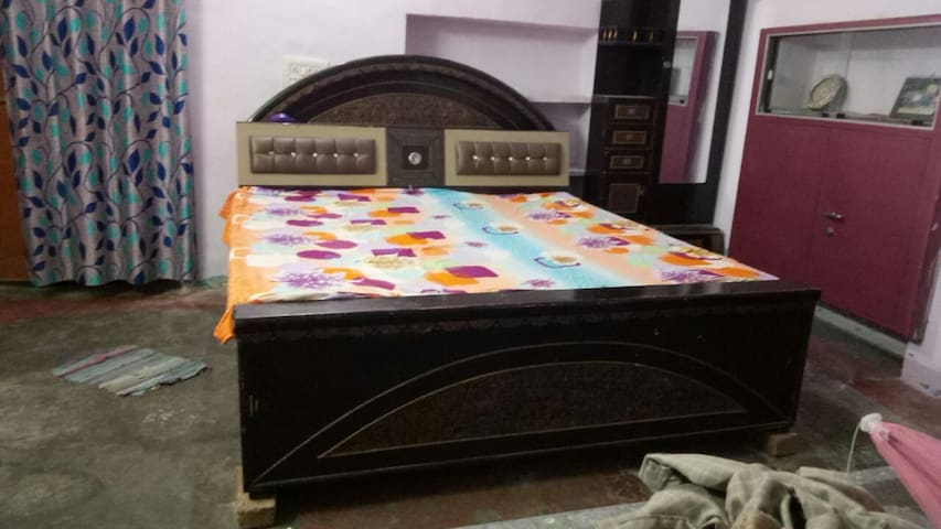 Homestay near Jalmahal within 1 kms