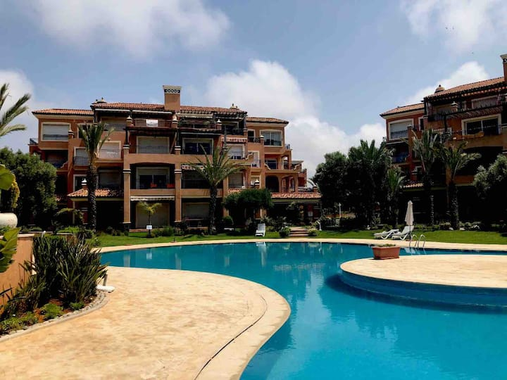 Résidence magnifique avec piscine,Bouznika,Marocco