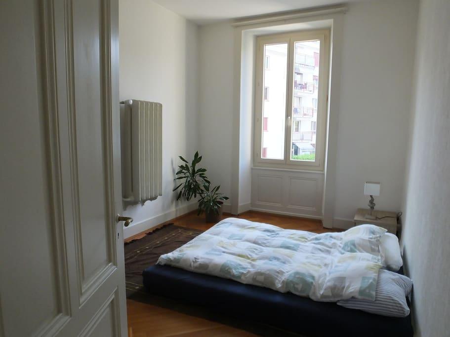 Une chambre dans un immeuble de XX  Chambres d'hôtes à