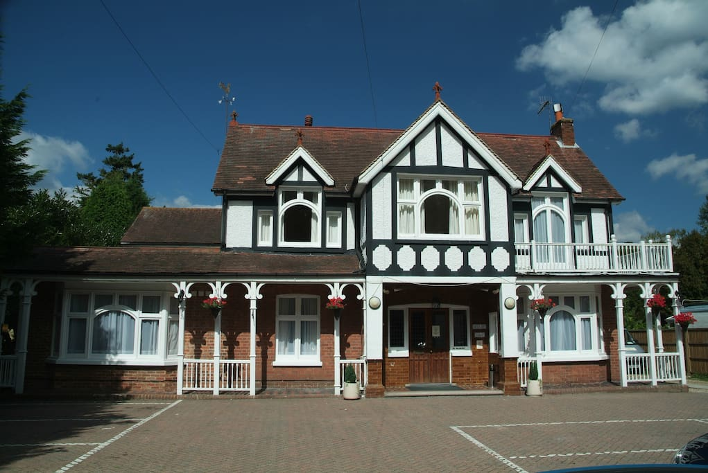 Gatwick Belmont Guest House