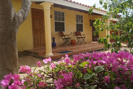 """The Hideaway """"The Guesthouse"""" - Pos Chiquito - House"""