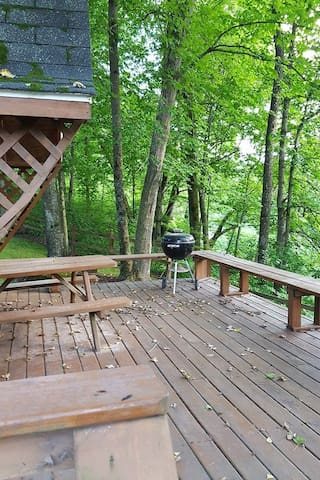Blakley Hobbit Small Cabin