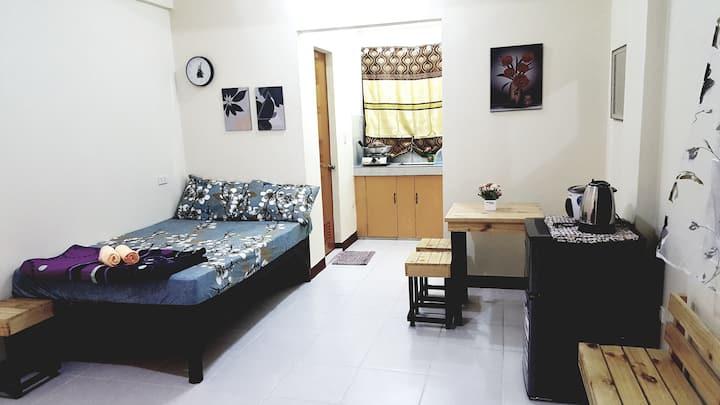 A5: Budget Studio near Daang Hari & Evia w/Netflix