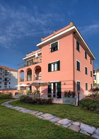 abitare la casa si sofia..(rosso) - San Bartolomeo Al Mare