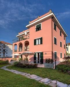 abitare la casa si sofia..(rosso) - San Bartolomeo Al Mare - Villa