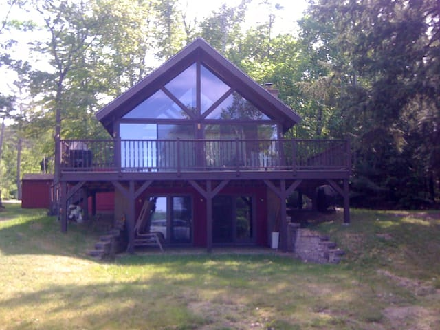 Cozy home on Winnisquam Lake! - Sanbornton - Ev
