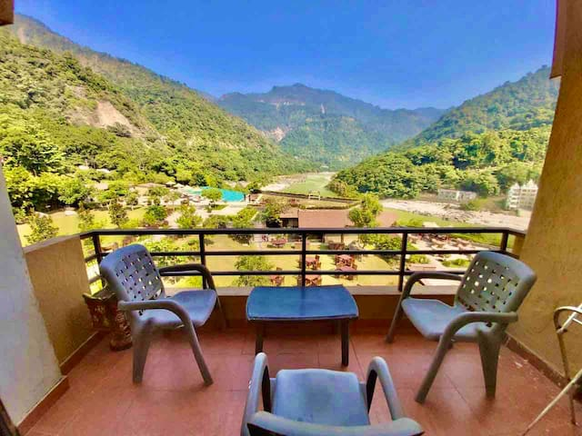 🍀Ganga View 2BR+LR In Aloha Resort🍀 Private Flat 🍀