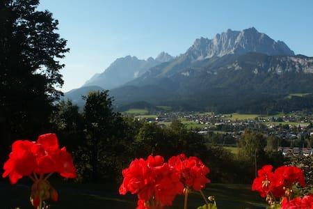 Gemütlich & fantastisch gelegen - Sankt Johann in Tirol - Flat