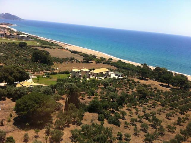 Villa Yialenia ((URL HIDDEN) - Ρίκια - Hus