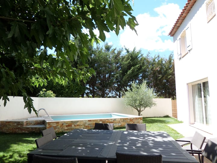 Bastide provençale (piscine privée)