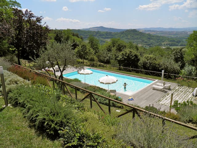Apartment in a country estate - Fiorenzuola di Focara