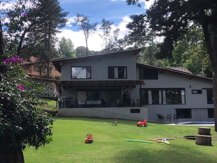 Magnífica casa en club de golf avandaro