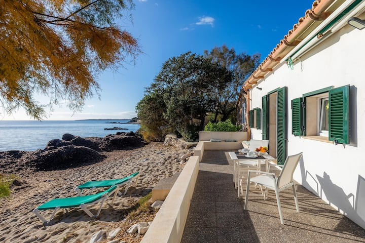"Charming Vacation Home ""Port Nou"" Directly on the Beach with Sea View, Wi-Fi, A/C, Terrace & Garden"