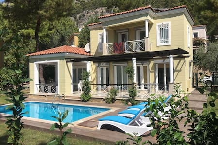 Detached villa with forest and sea view - Mugla