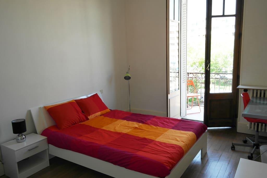 chambre dans le centre d 39 annecy appartements louer annecy rh ne alpes france. Black Bedroom Furniture Sets. Home Design Ideas