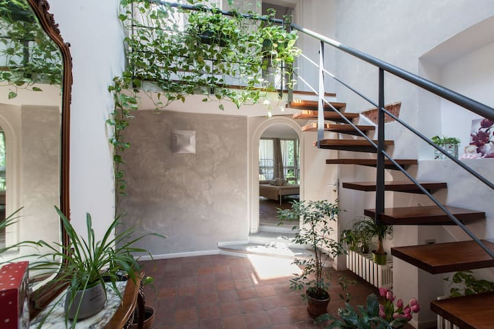 Vintage House in Milan Downtown with 5 bedrooms - Milan - House