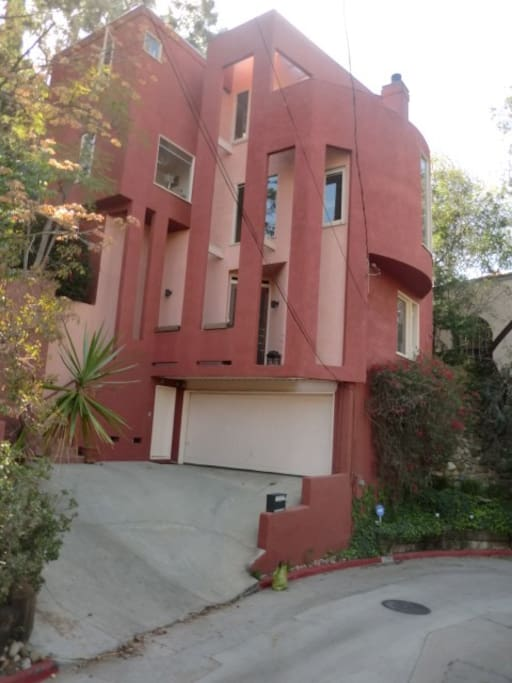 THE RED HOUSE - modern built 1980 - very steep driveway so parking is on street