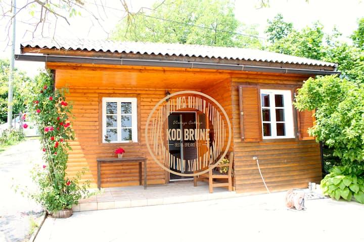Vintage Cottage Kod Brune