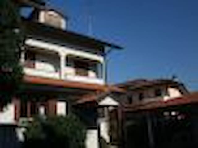 Intera villetta - speciale Fiera Milano - Mantegazza - House