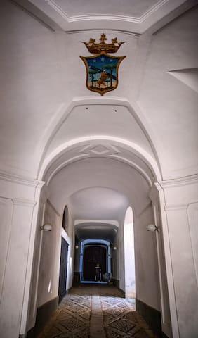 l'ingresso del castello...