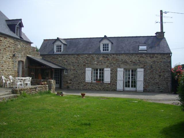 bâtiment de ferme réhabitlité - pleurtuit - Dom