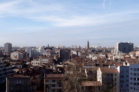 Chambre ds T5 calme près de la gare, superbe vue ! - Toulouse - Wohnung