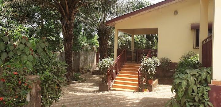 Chambre dans maison de charme à Kindia
