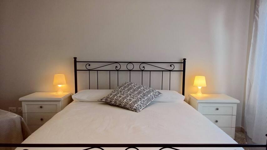 """Casa di Gianna"" - Rome [ room 2 ] with balcony"