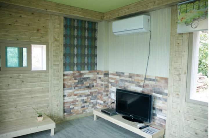 한반도지형의 통나무집 귀여운 커플 객실