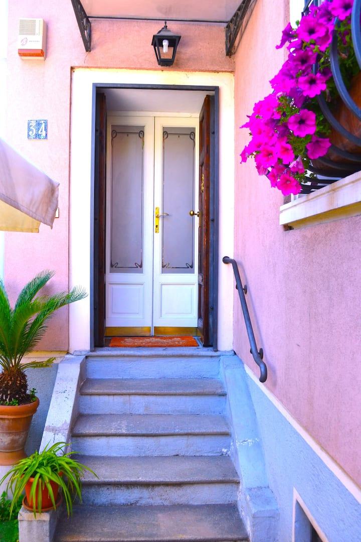 Casa con giardino - 2 camere/2 bagni