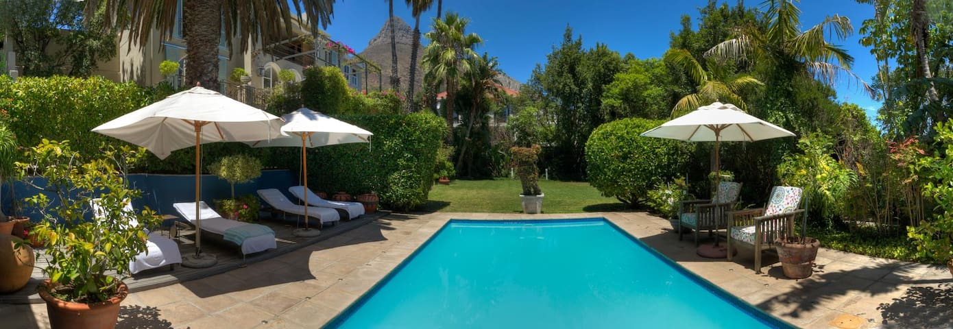 garden and pool with view of lions head