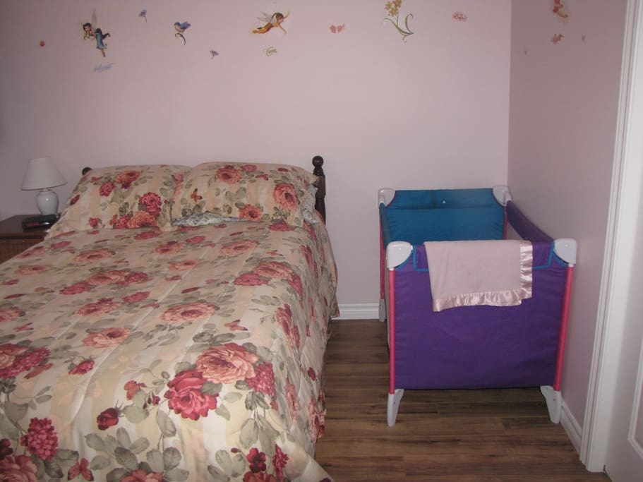 2nd bedroom, double bed, play pen available