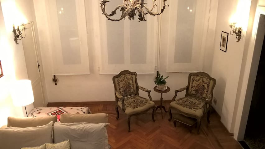 Vintage apartment 100m from the Sea