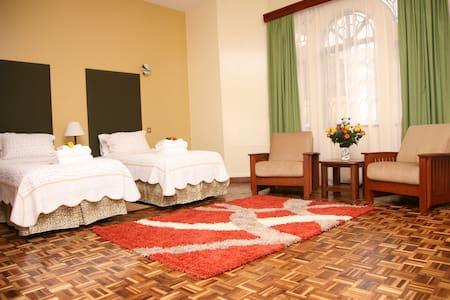 Tara Suites - Nairobi - Bed & Breakfast
