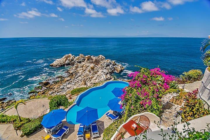 Villa Mia 13 Bedrooms: 107455 - Boca de Tomatlan