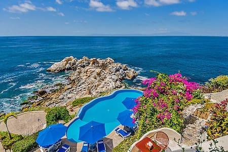 Villa Mia 13 Bedrooms: 107455 - Boca de Tomatlan - Villa