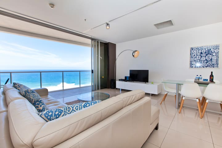 ABSOLUTE OCEANFRONT Broadbeach Luxury 2 bed 2 bath - Broadbeach - Byt