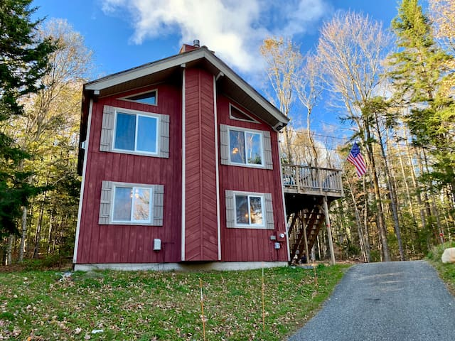 4 bedroom Ski House 15 min to Mount Snow