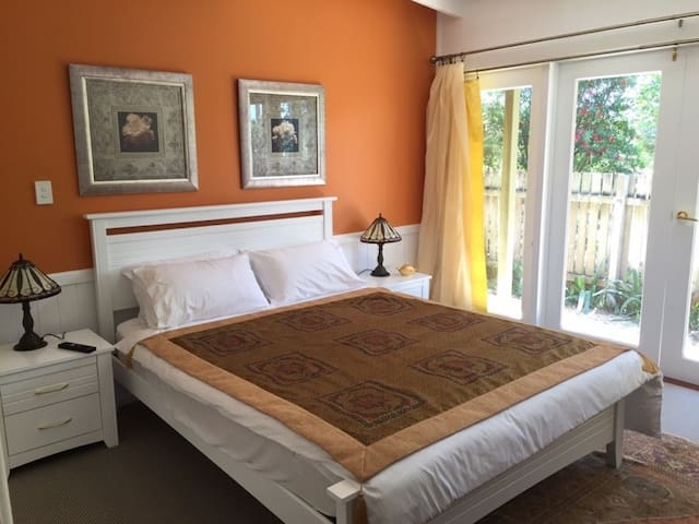 Winston Cottage Bed & Breakfast - Palmwoods