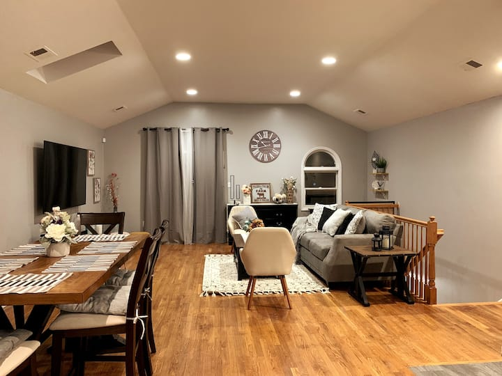 Skyline Ranch 2BR/2BA by NYC