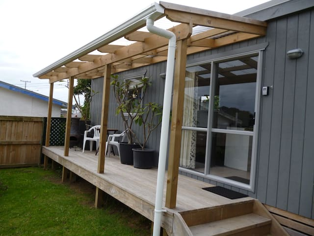 Bach Accommodation - New Plymouth - Townhouse