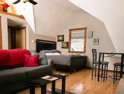 Guest Suite Loft~ Miller Park/Brewery/State Fair