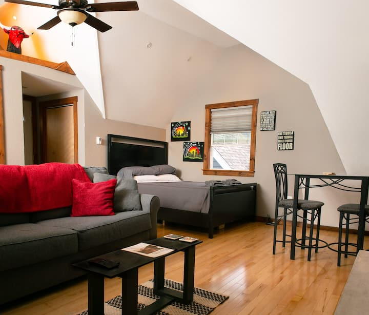 Cozy Guest Suite~ Miller Park/Brewery/State Fair
