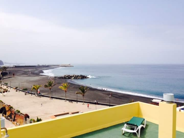 Sea View Apartment plus beach (203)