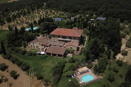 Elegant farmhouse Siena